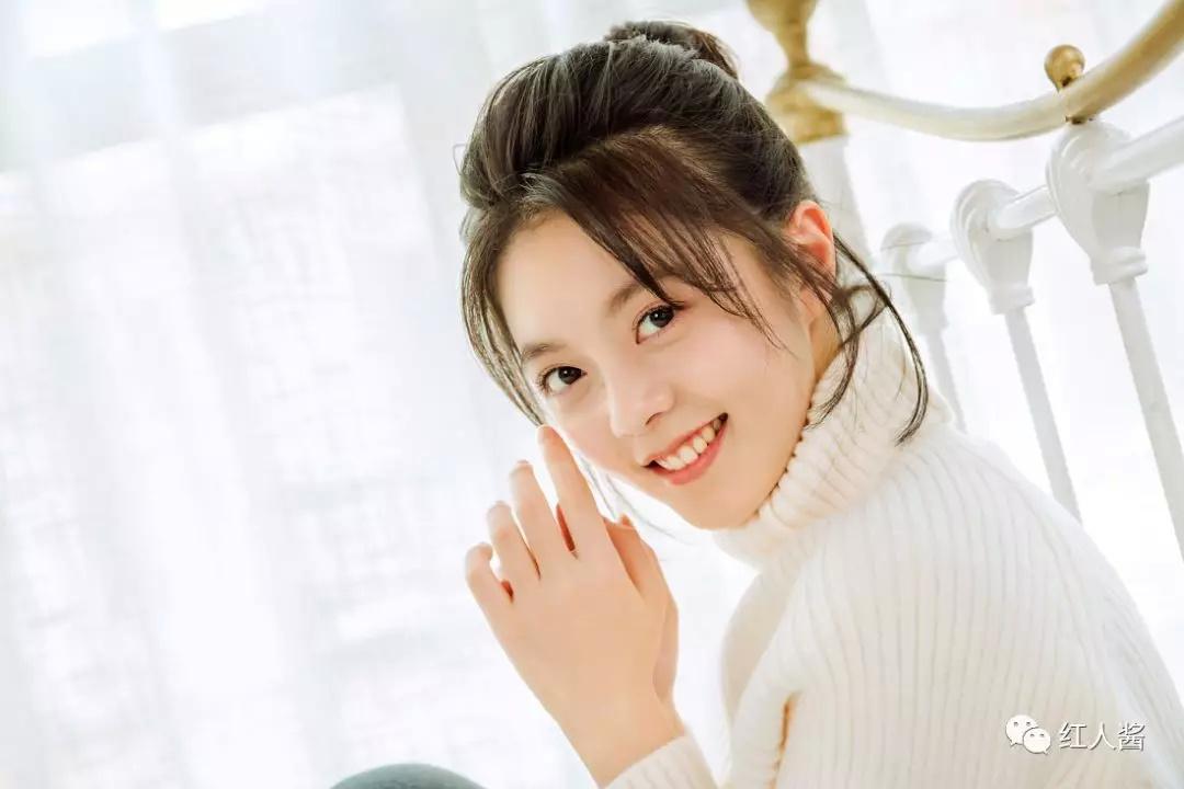 """红人酱丨赵今麦,猫系女孩,00后""""小小花""""绽放!图片"""