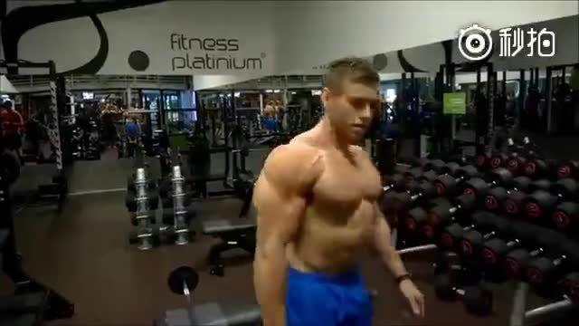 职业健身教练的背部训练?