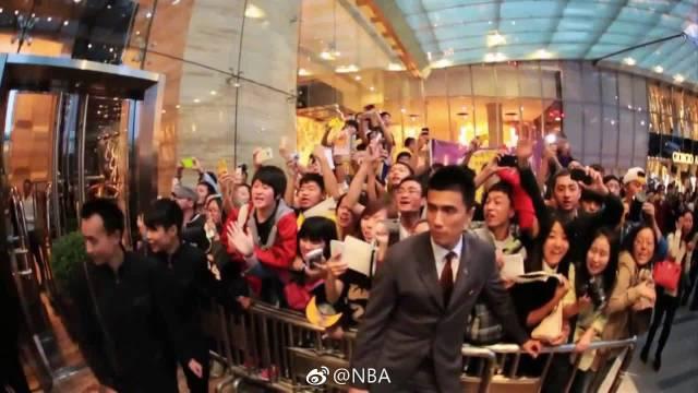 2013年洛杉矶湖人和金州勇士来到中国参加北京和上海的两场中国赛