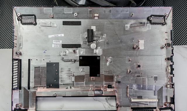 吾空K17-8U成1060显卡国产笔记本黑马,拆机看看做工如何