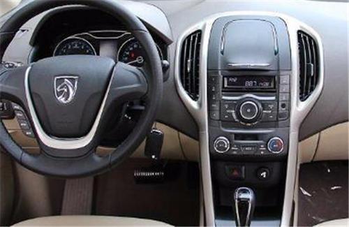 宝骏610 CROSS体验,外观设计耐看性很大,售价6.78-8.78万!