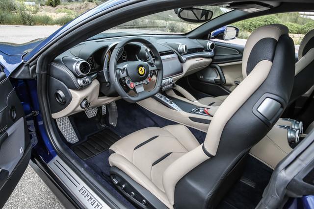 法拉利SUV谍照首曝,主打V6混动版本?