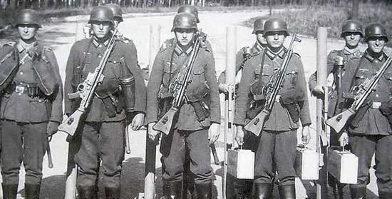 二战法国号称欧洲第一陆军, 它面对德军失败