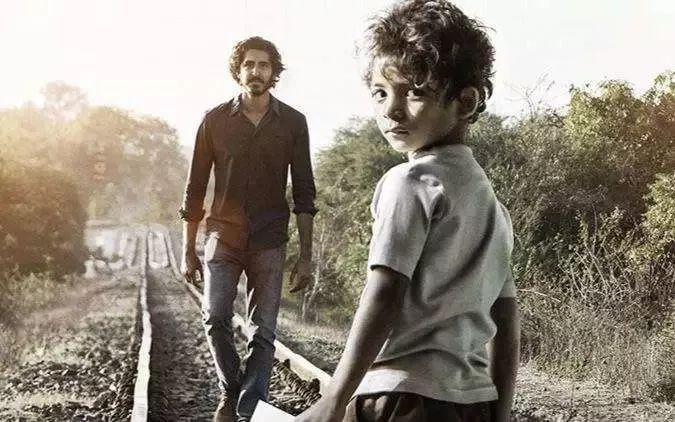 影片简介: 电影《雄狮》由印度真实事件改编而成,讲述的是印度男孩