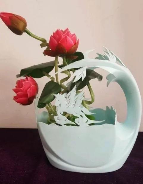 用完的洗衣液桶,咔嚓剪2刀,1年的花盆都不用买了,省大图片