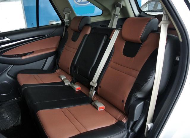 最良心硬派SUV,比普拉多霸气,非承载车身配四驱,顶配不足15万