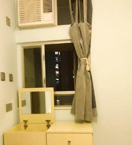 不说衣柜在香港的千万表姐,豪宅又小又紧凑,晒晒还以为是廉租房开门空间门多高图片