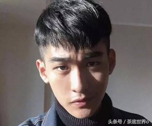 单眼皮男生剪这3款发型, 真的高级帅!图片