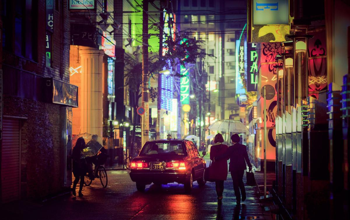 夜晚的�:-�_日本的白天和夜晚完全不同 看他们是怎么生活的