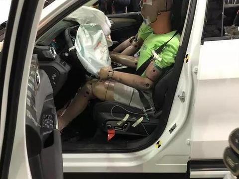 领克01 C-<em>NCAP</em>碰撞首测表现如何,你猜对了吗?