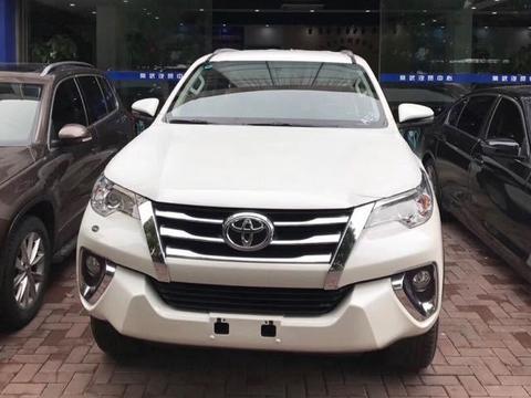 2018款中东版丰田穿越者四驱 EXR作为一款定位在SUV方向的车型