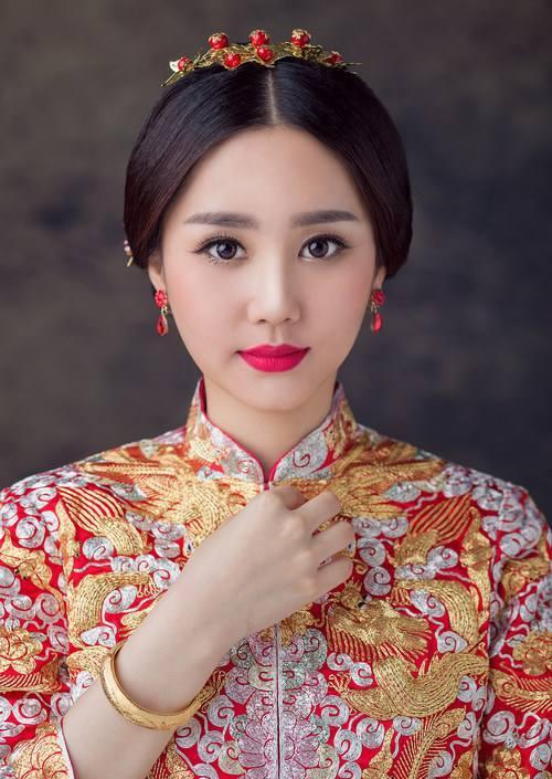 2018年婚礼造型流行趋势 中式新娘成新风尚图片