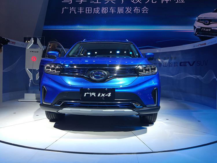 售16.38-17.38万元 连车标都没换的广汽丰田ix4终于上市了