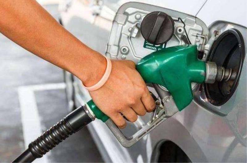 92号汽油和95汽油可以混加吗?