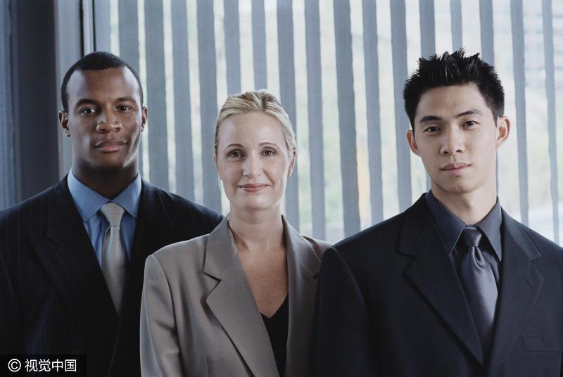 职场上,作为一个领导,遇到不服从安排下属,就该