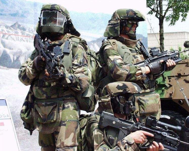 雇佣兵2战灩9�_40名美军特种兵大战500名俄罗斯雇兵:一个小时俄雇佣兵战死300人