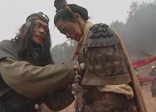 武艺不输给武松,本该受人称赞的好汉,为何被称为懦夫