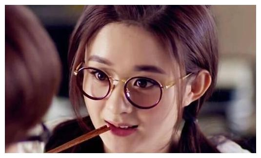 戴眼镜最好看的明星,刘诗诗古典,赵丽颖可爱,刘亦菲仙