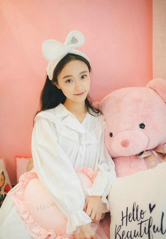清纯元气少女家居可爱俏皮甜美私房写真 @微相册 @中国图库tukuchina
