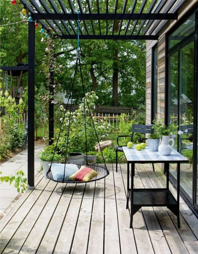 铺装是庭院设计中最主要的元素之一,不同材料铺出的地面效果千差万别图片