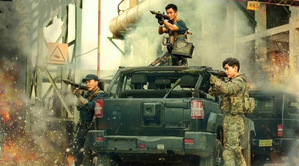 凭什么吴京拍电影就能随便调动坦克和枪,军队方回应让