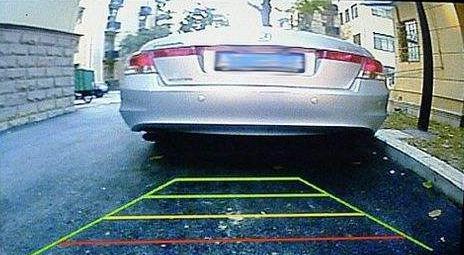 """倒车影像的""""三条线""""是代表什么意思?老司机告诉你用法"""