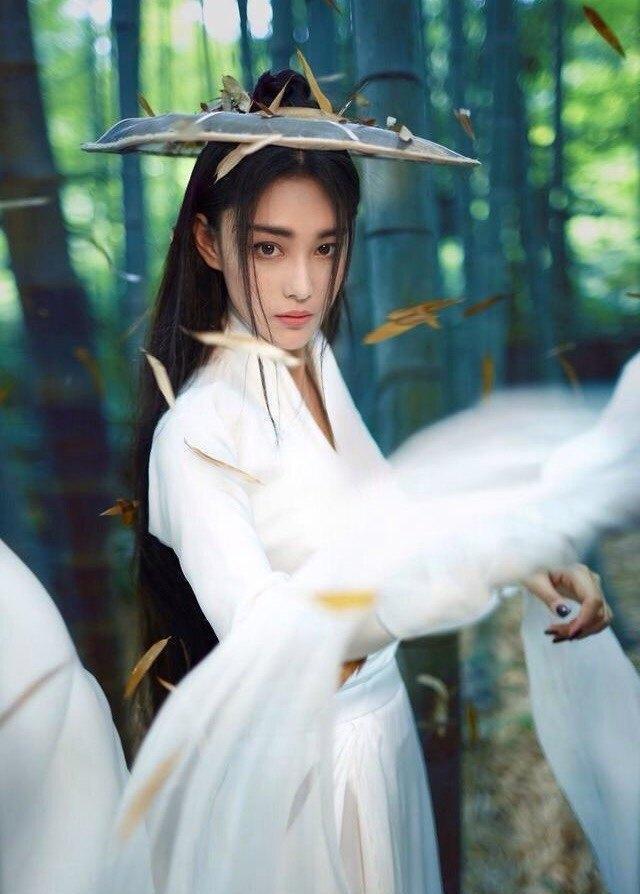 景甜赵丽颖杨颖杨幂戴斗笠的古装女明星, 谁最美?
