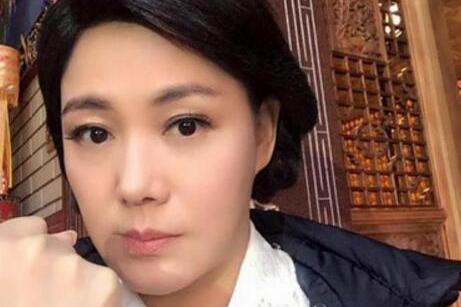 """明星版""""樊胜美"""",演戏26年仍租房,积蓄被家人掏空,在片场去世"""