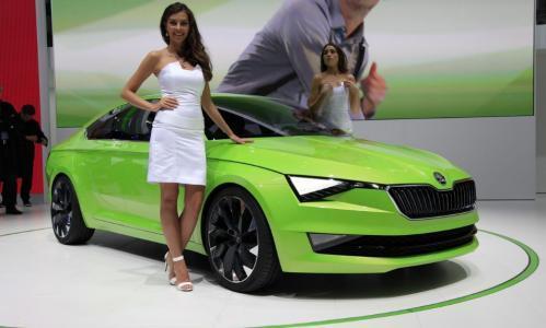 全新SUV比奔驰GLA宝马X3帅气, 低至10万, 还买啥哈弗H6博越