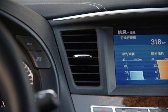 日系豪华车, 全系进口才卖50万, 远看比霸道还有气质!