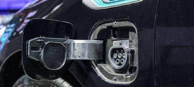起亚K5插电混动版怎么样 纯电续航75km