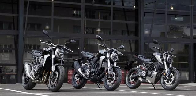 本田中量级四缸复古新车,法国巴黎车展首发