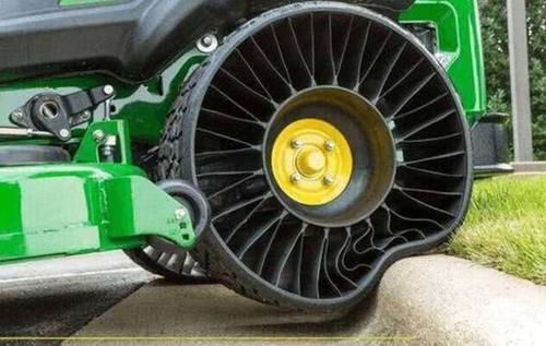 新科技:无气轮胎上市了,再也不要为爆胎而害怕了!