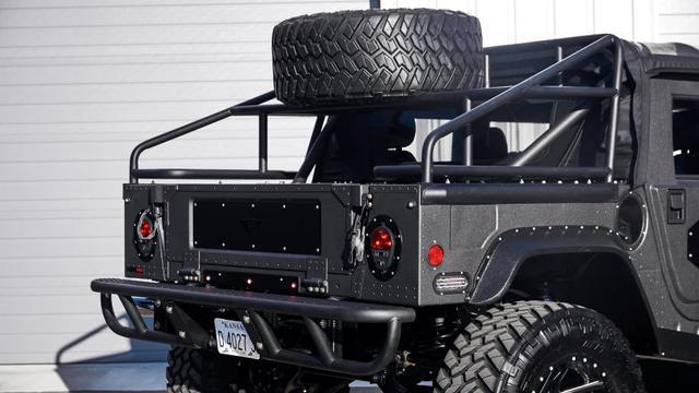 豪华与性能兼备,这辆近300万的悍马H1比奔驰G都霸气!