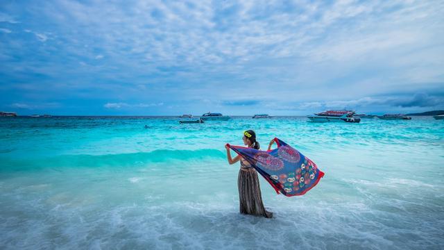 在普吉岛沉船事件后又有我国游客出海被困