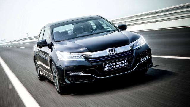 最省油的5款中型车,油耗比小型车还低,第一款仅4.1L/100km