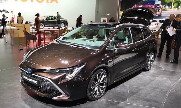 2018巴黎车展:丰田卡罗拉旅行版亮相 尾厢容积可达598L