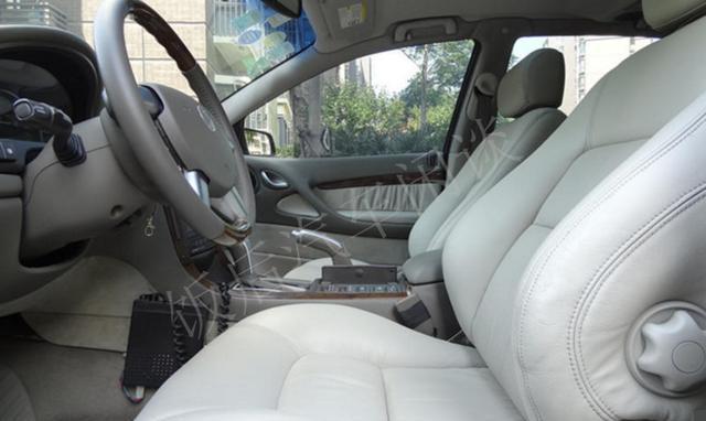 上海郊区小伙花4万元买辆别克荣御轿车, 半年后坦言处境进退维谷