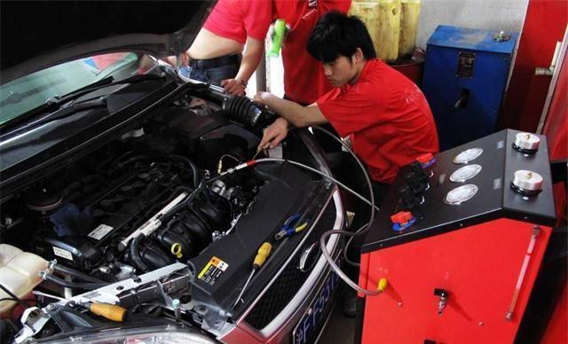 夏天到了! 汽车开空调到底费了多少油? 怎么样才能省油呢?