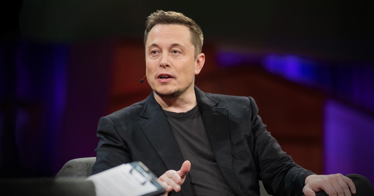 马斯克:没阿波罗11号就没SpaceX,龙飞船两年内登月