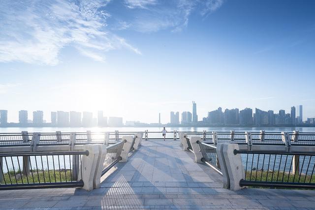 景观设计:打造有归属感的字体城市,长沙湘江西跳空间设计图图片