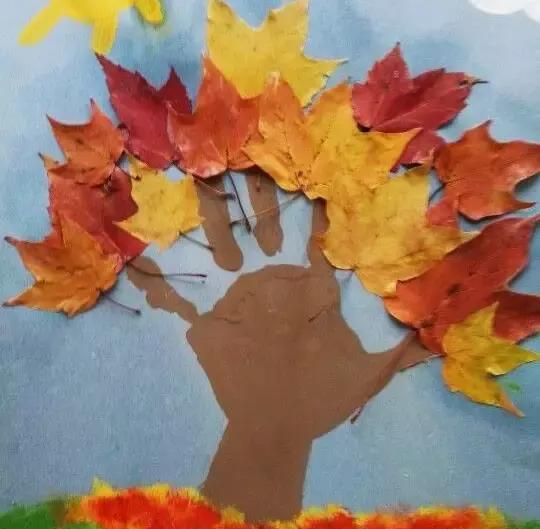 蝴蝶最简单了,8片叶子,加上一根木棒,2粒果实,5分钟搞定,但找树叶的图片