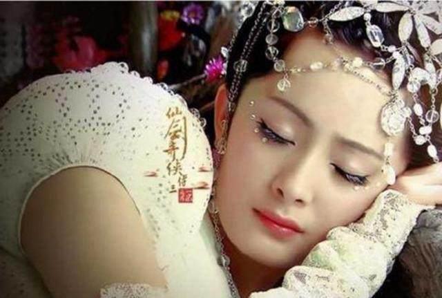 古装睡美人:赵丽颖,刘诗诗,杨幂,刘亦菲,郑爽,究竟谁最美?