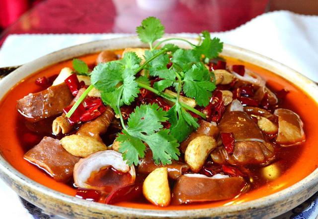 扬州这道重肥肠龙虾,将臭豆腐、口味极臭的食小美食v肥肠地图片