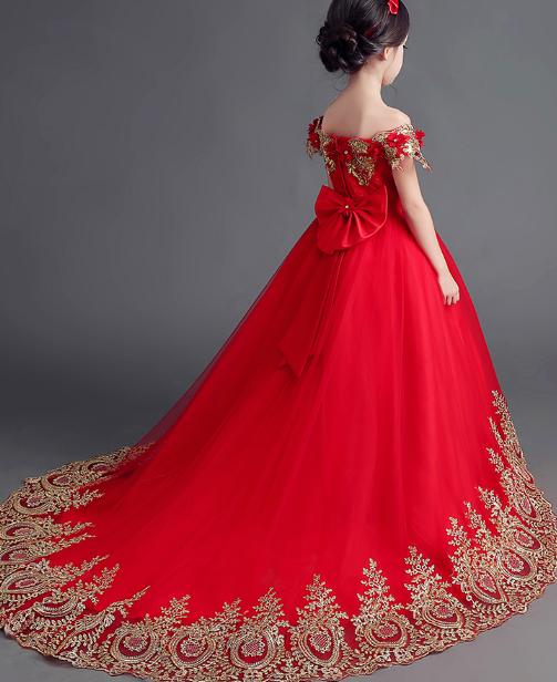 十二星座专属小礼服女生,狮子座的可爱甜心,射手座的唯美a礼服!天秤座的公主是怎么样的图片