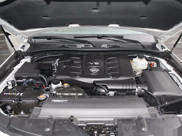 日产终于扳倒丰田了,这SUV比普拉多霸气,直降9万,抢疯了