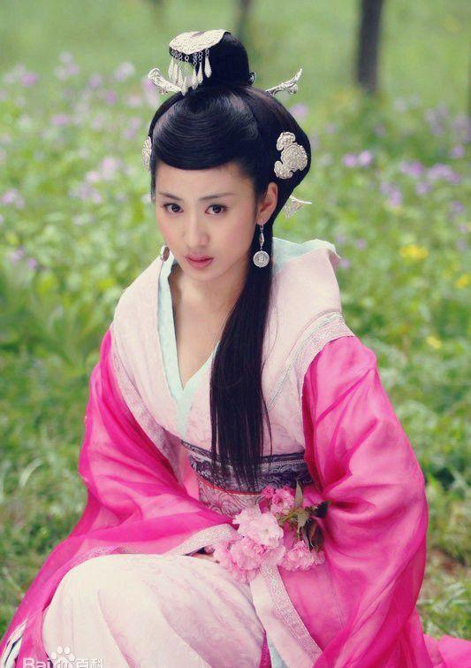 皇后赵飞燕(佟丽娅饰,《母仪天下》剧照)