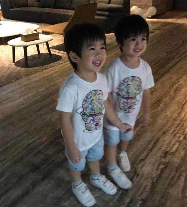 林志颖被双胞胎儿子恶搞,家中一片凌乱,网友:很真实不图片