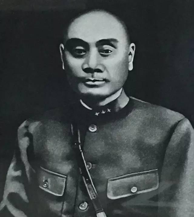川军之魂刘湘, 墓遭严重破坏, 尸骨无存, 故居被改豪华饭店
