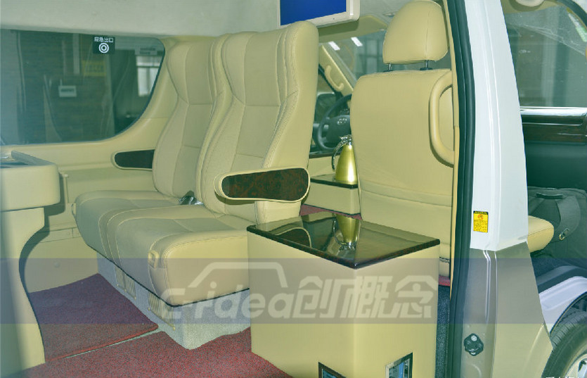 舒适商务接待车,丰田海狮改装内饰、航空座椅